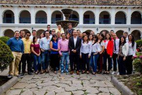 """""""Periodismo alternativo es fundamental para el desarrollo regional"""""""