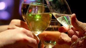Ninguna cantidad de licor es beneficiosa para la salud