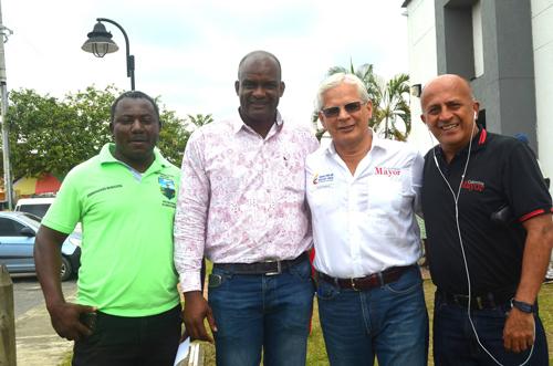 Colombia Mayor entrega reconocimiento a la Alcaldía por su gestión