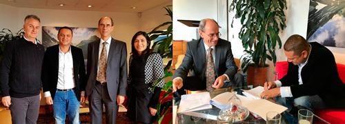 Embajador de Suiza en Colombia, Kurt Kunz y el Alcalde Municipal de Corinto, Edward Fernando García Sánchez