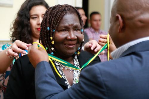 El gobernador del Cauca, Óscar Rodrigo Campo Hurtado, realizó en la noche del viernes 25 de mayo, un acto de condecoración con la Orden Civil al Mérito