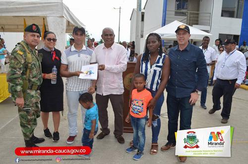Entregan 207 viviendas gratuitas en Miranda