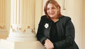 MARIANA LA MINISTRA ESTRELLA