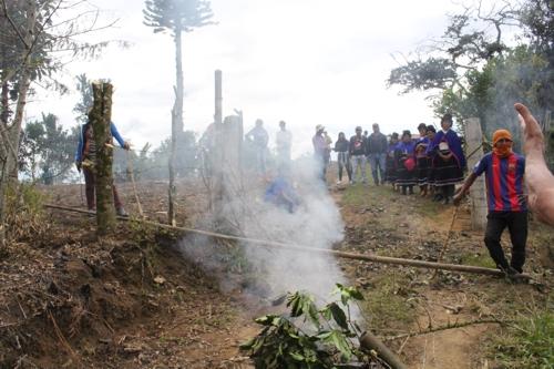 Esmad indígena arremete contra el pueblo Misak