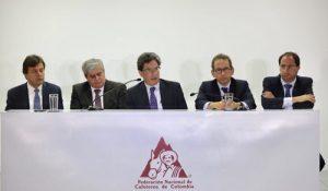 LA DEMOCRACIA COLOMBIANA ES CHIMBA