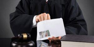 Capturan a un juez y otros 3 funcionarios por 'cartel de herencias'