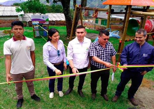 Nuevos parques infantiles en Florencia y Balboa Cauca