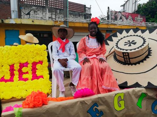 Desfile por las principales calles del municipio de Puerto Tejada
