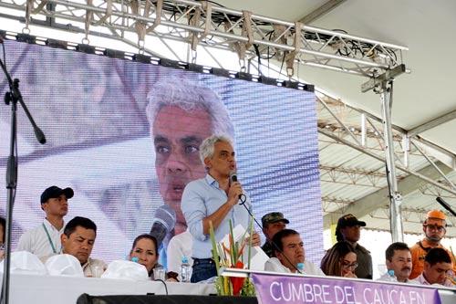 Ministro de Medio Ambiente y Desarrollo Sostenible,Ricardo Lozano Picón
