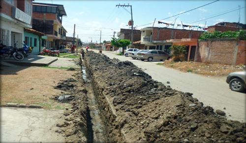 Instalación de tuberías por todo el municipio