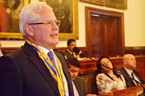 Gran Escudo del Concejo otorgado a Juan Carlos López