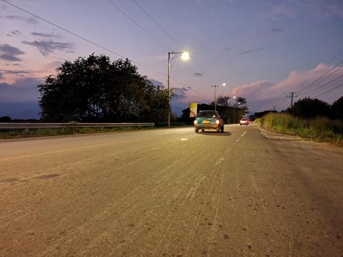 Iluminada vía Puerto Tejada – Cali