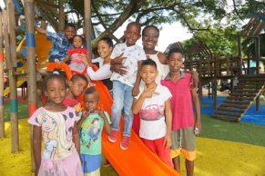 Villa Rica estrena parque y entrega iniciativas productivas a la comunidad