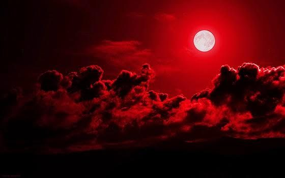 Varios colores: Blue Monday y Red Moon