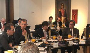 Gobierno y FNC anuncian medidas para sector cafetero