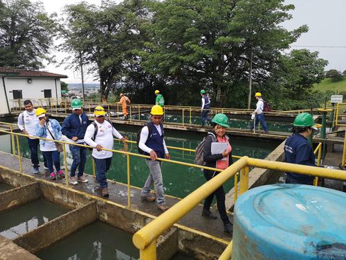 El recorrido inició en la Planta de Tratamiento de Tulcán, planta que procesa alrededor de 80 a 90 litros de agua por minuto