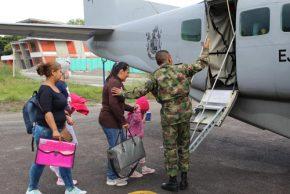 Por paro indígena, en avión trasladan a niñas pacientes de cáncer