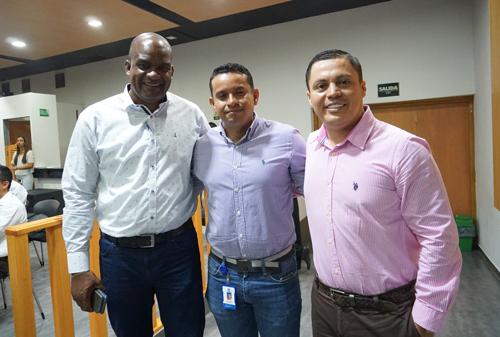 En la imagen: el alcalde de Guachené, Oliver Carabalí; el director zona norte de la Cámara de Comercio del Cauca, Jhon Vargas y el gerente de Proclama del Cauca, David Luna.