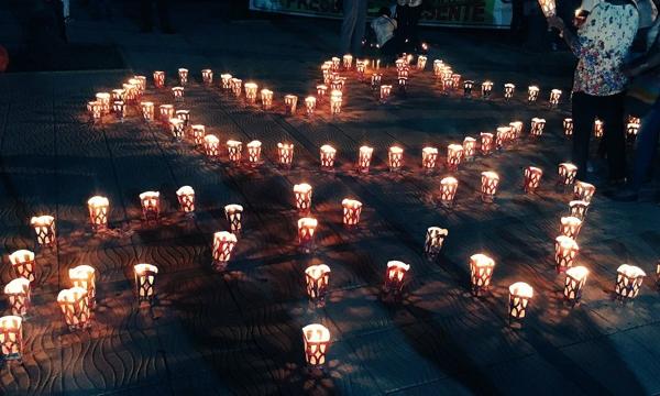 Encienda una luz por la paz