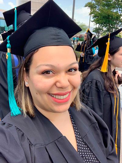 Lindsey Caicedo que conquistó el título de Ciencias Sociales del Diego Miramar College