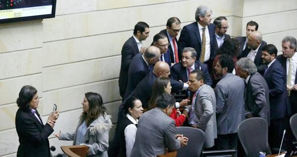 Senado pide a la Corte decisión sobre objeciones