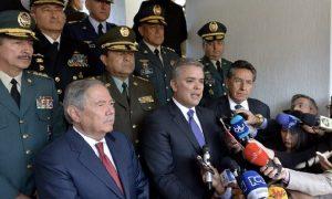 En Colombia la Policía nos roba, el Ejército mata líderes sociales y el Gaula secuestra comerciantes.
