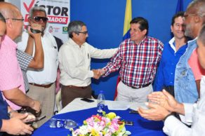 Partido Conservador ratifica apoyo a Víctor Ramírez