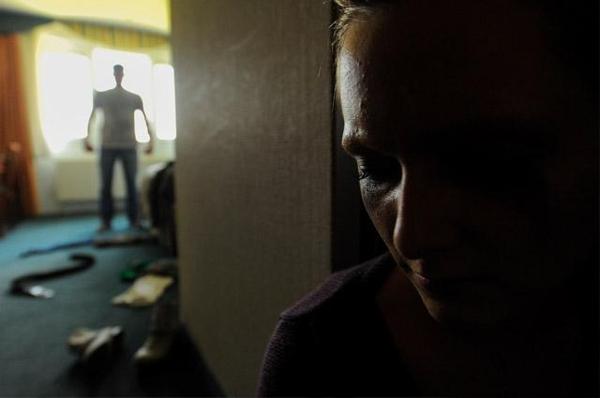 Condenado y capturados por violencia intrafamiliar y actos sexuales con menor