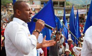 Elías Larrahondo es recibido y apoyado por conservadores en La Vega