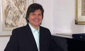 El colombiano que cantó con Camilo Sesto