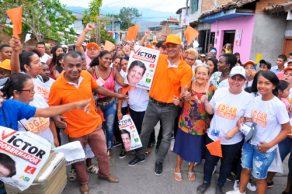 Patianos están con Víctor Gobernador