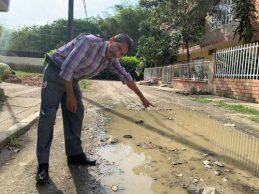 Poso-de-agua-afecta-comunidad-del-barrio-Guaduales