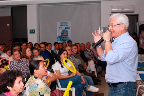 El Pollo López se comprometió con colegio Fundación Gimnasio del Cauca