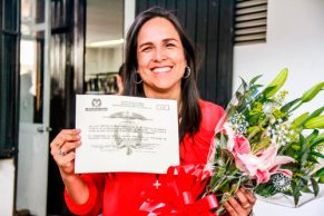 Lucy Amparo acreditada oficialmente como alcaldesa