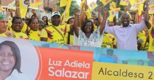 Luz Adiela Salazar avanza con su programa Construyendo Confianza