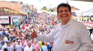 Patianos aclaman Víctor Ramírez gobernador