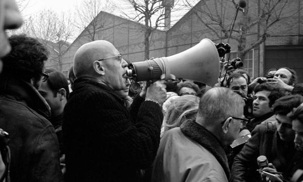 Por los caminos de Michel Foucault