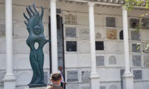Gardeazábal inaugura su propia tumba