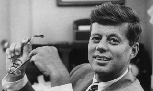 Una lágrima al medio día por John Fitzgerald Kennedy