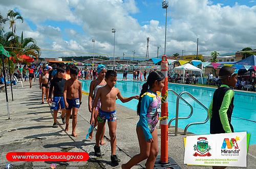 Mirandeños participaron en festival de natación