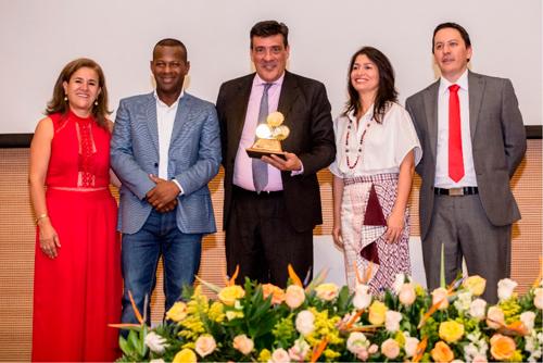 CEO recibe reconocimiento a 'Empresa del Año 2019'