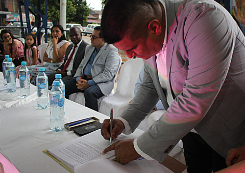 Cristóbal Morales se posesionó como alcalde de Padilla