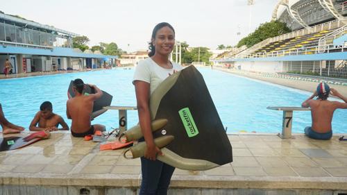 Paola Moreno, una caucana que representa al Valle en natación con aletas