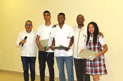 Puerto Tejada reconoció a los mejores