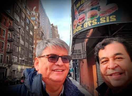 Una foto tomada por un japonés con Armín Torres