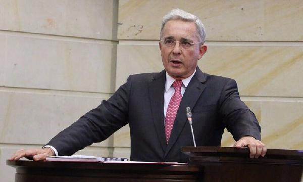 Uribe, el mejor senador