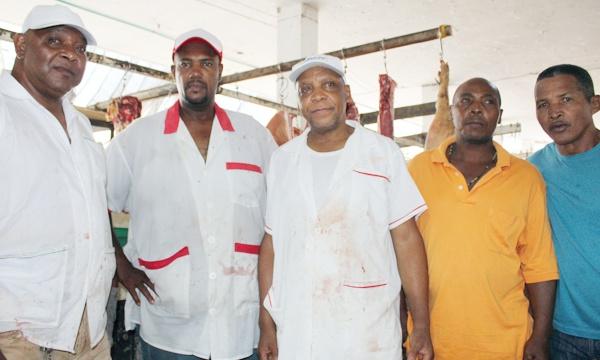 Abastecedores de carne exigen reubicación de planta beneficiadora