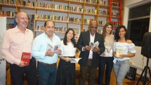 Desde la biblioteca Centenario se abrieron las Bibliotecas públicas en Cali
