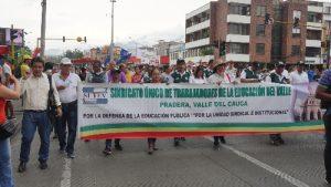 Movilización de maestros exige protección del Gobierno