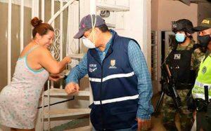 Alcalde de Cali entrega mercados a los más necesitados